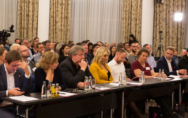 Spannung und Konzentration bei Vortrag und Keynote von Stefan A. Scherer
